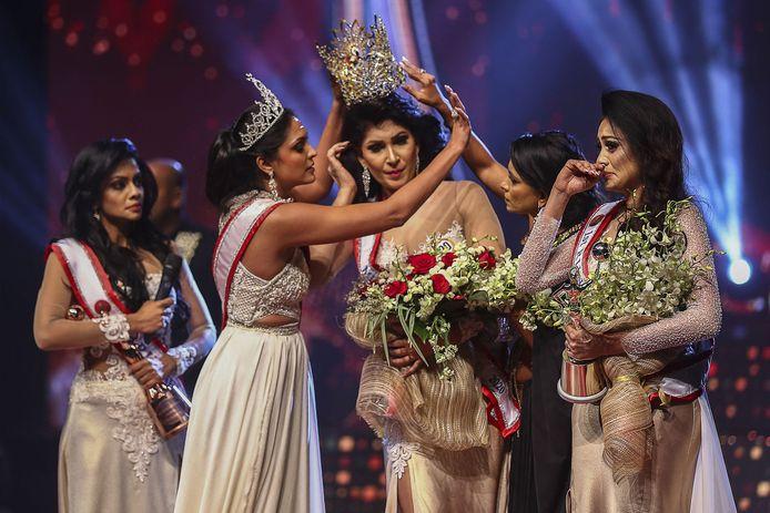 Gori afirmou que De Silva não era elegível para o título porque ela era divorciada e os indicados para Sri Lanka Lady e Global Lady deveriam ser casados.